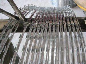 coil kawat duri silet razorwire concertina